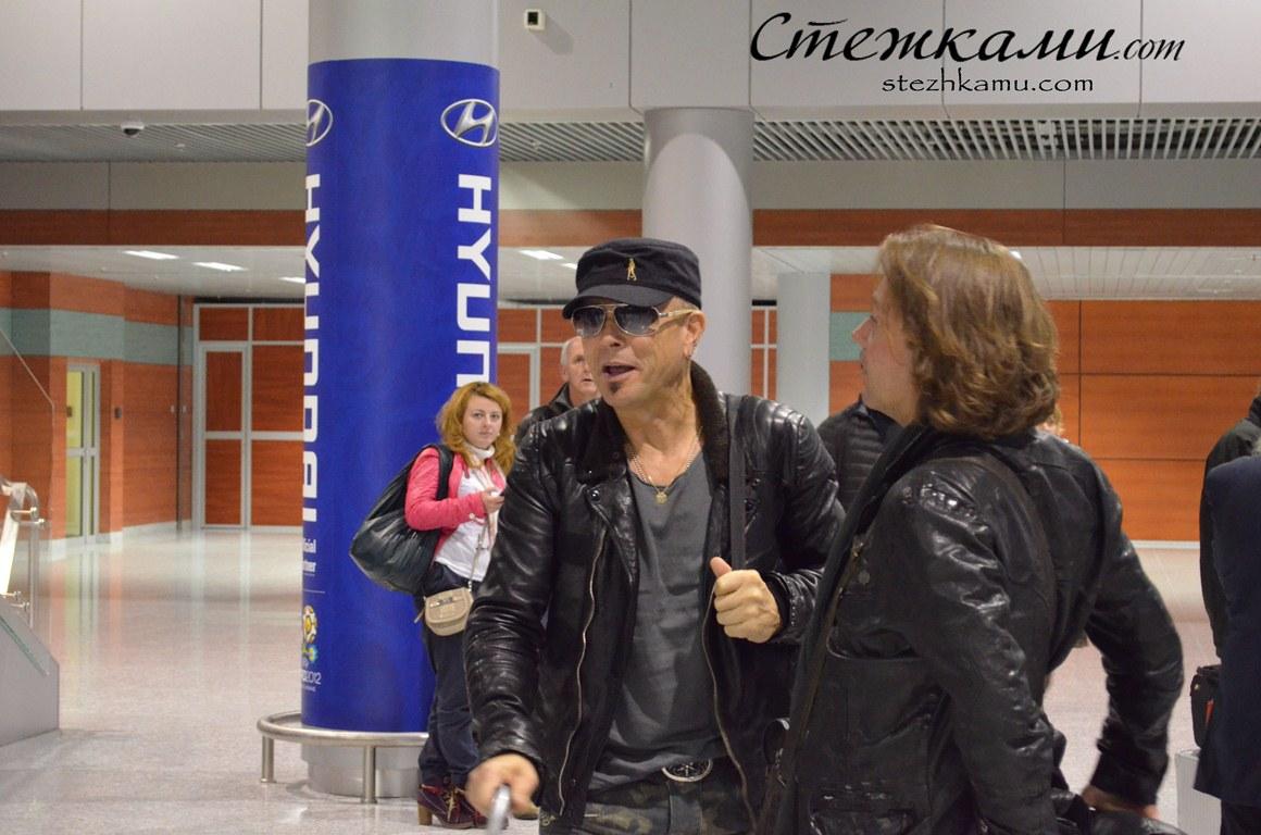 Рудо?льф Ше?нкер (нім. Rudolf Schenker) — гітарист. Засновник гурту Scorpions. Старший брат Міхаеля Шенкера.