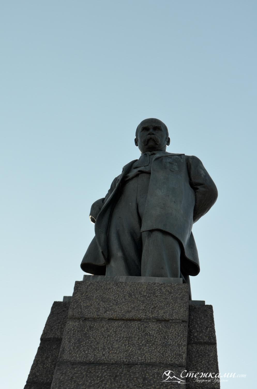 Пам'ятник Тарасу Шевченку у Каневі