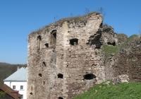 Фото. Пнівський замок - місце, де живе історія