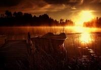 Захід сонця і Човен на Синевирі